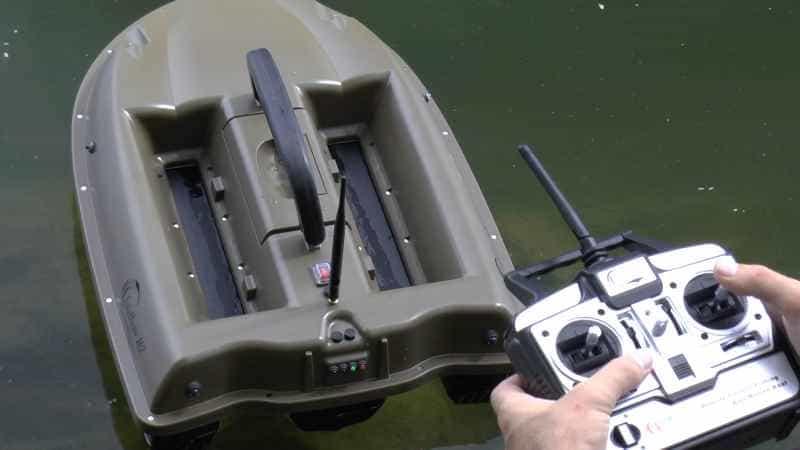 Zavážecí loďka Sports M2 se zabudovaným sonarem Fish Finder 918